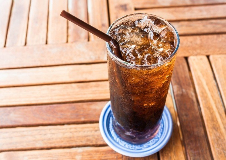 Artificial sweeteners and diet soda can contribute to weight gain